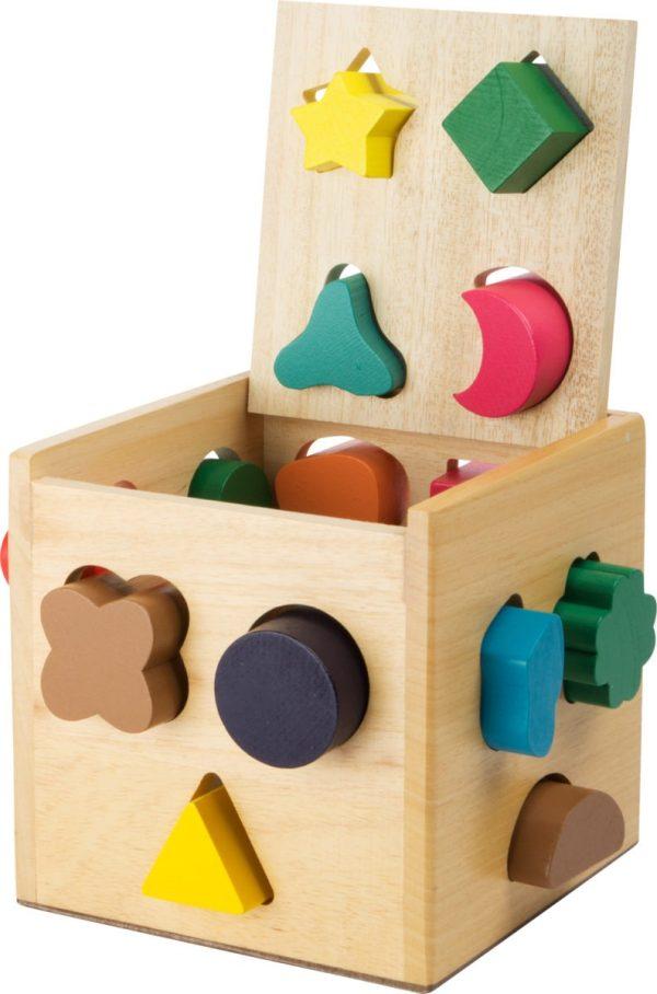 Cub din lemn cu forme de sortat 1