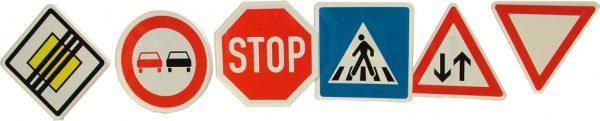 Indicatoare rutiere 4