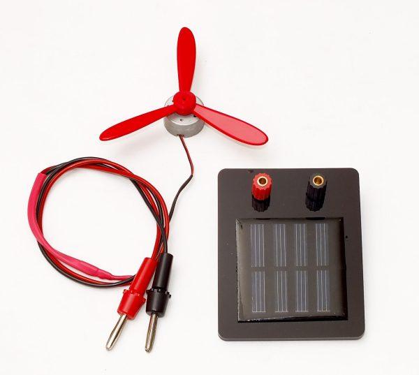 Panou solar, cu motor si elice 1