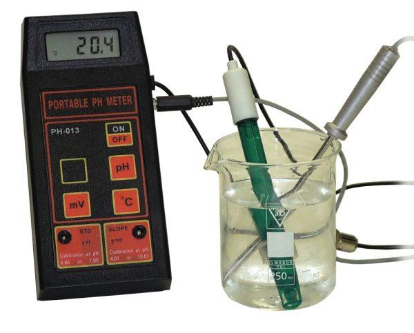 pH-metru de masura portabil pentru pH/mV/Temperatura 2