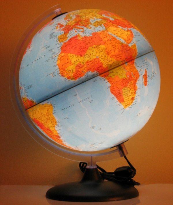 Glob geografic pamantesc iluminat 4