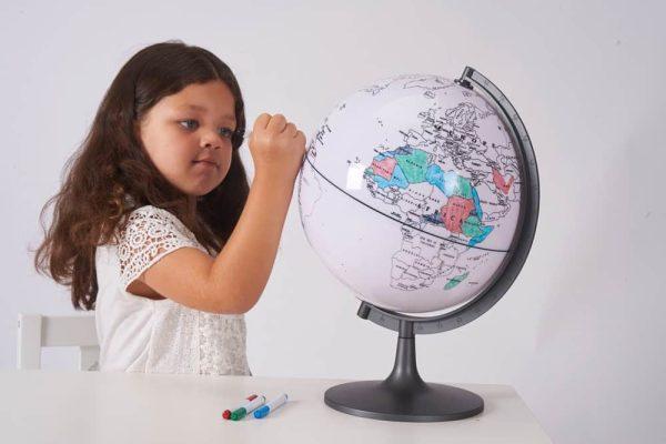 Glob cu harta in contur 2