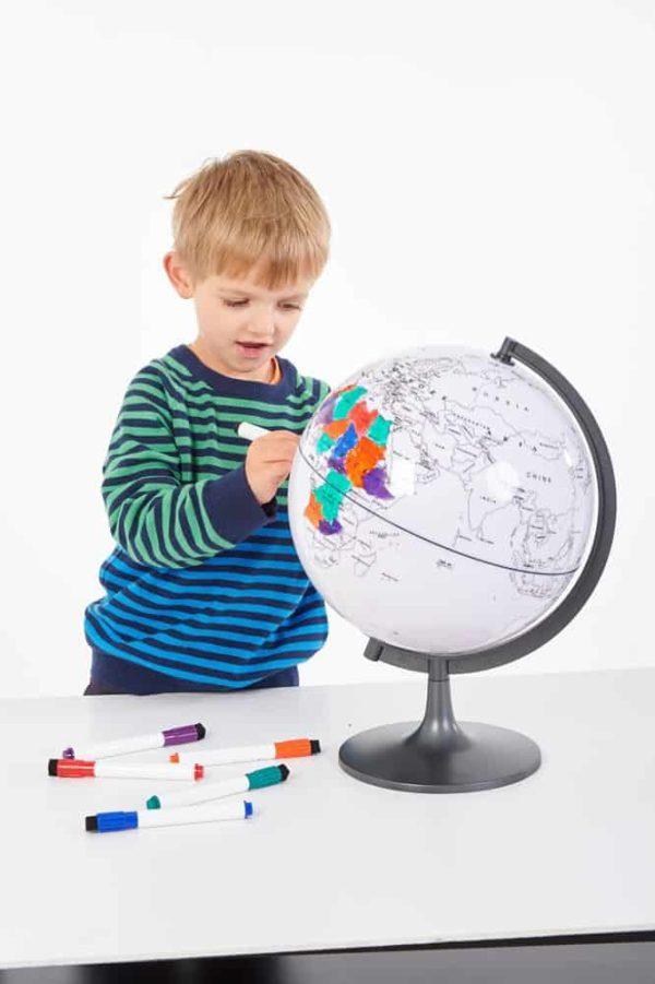 Glob cu harta in contur 5