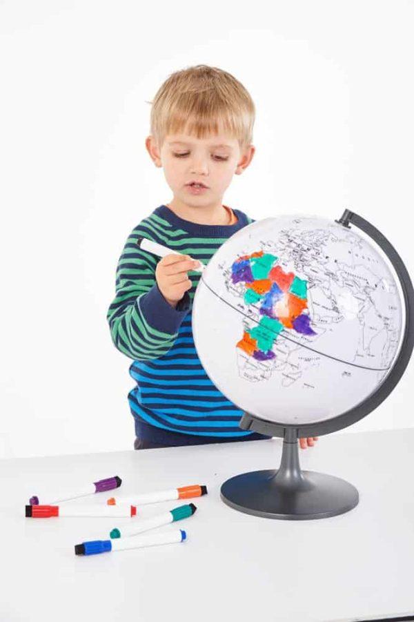 Glob cu harta in contur 6