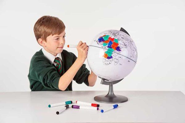 Glob cu harta in contur 9