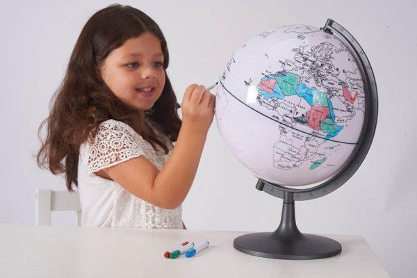 Glob cu harta in contur 4