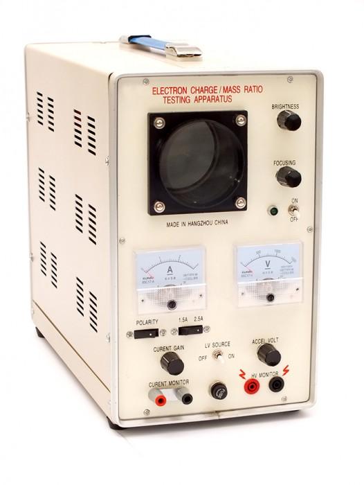 Aparat pentru testarea sarcinii electrice / masa electronilor 1