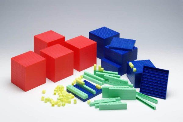 Sistemul zecimal, cuburi in baza 10, set pentru clasa 2