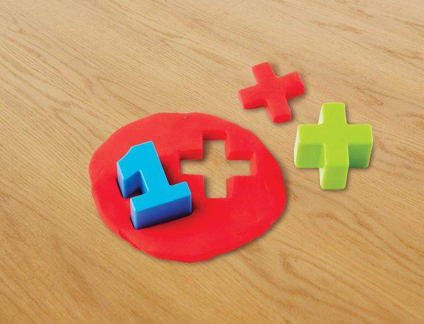 Cuburi cifre si simboluri matematice 5